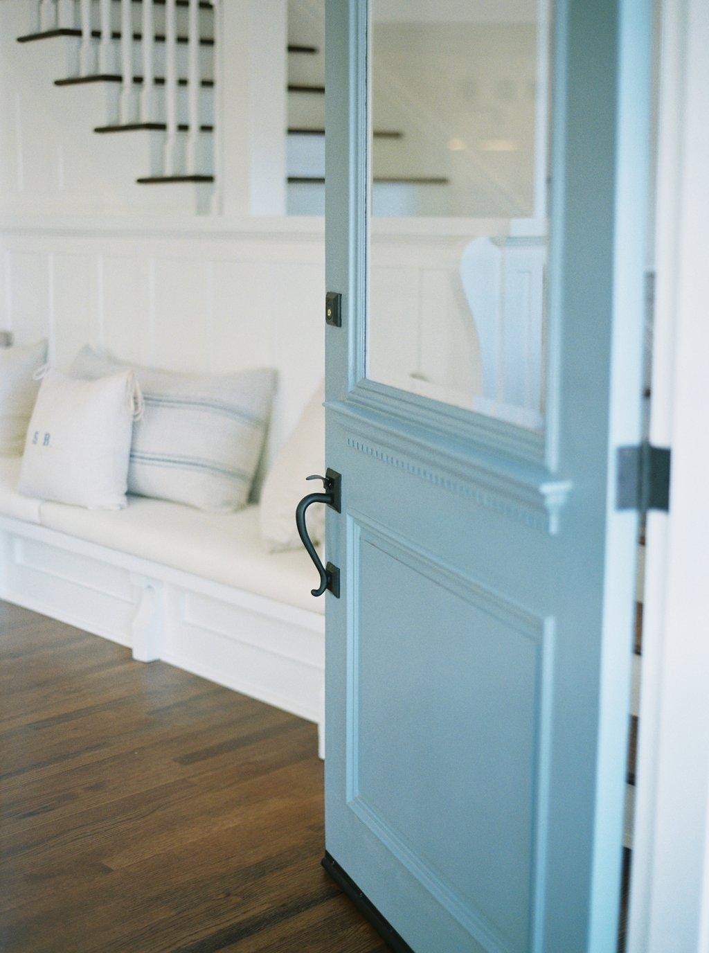 These Are The Best Front Door Colors According To Feng Shui