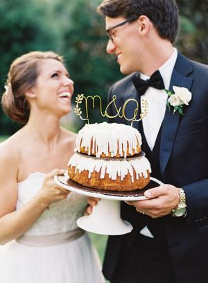 Nothing Bundt Cake Wedding Inspiration Style Me Pretty