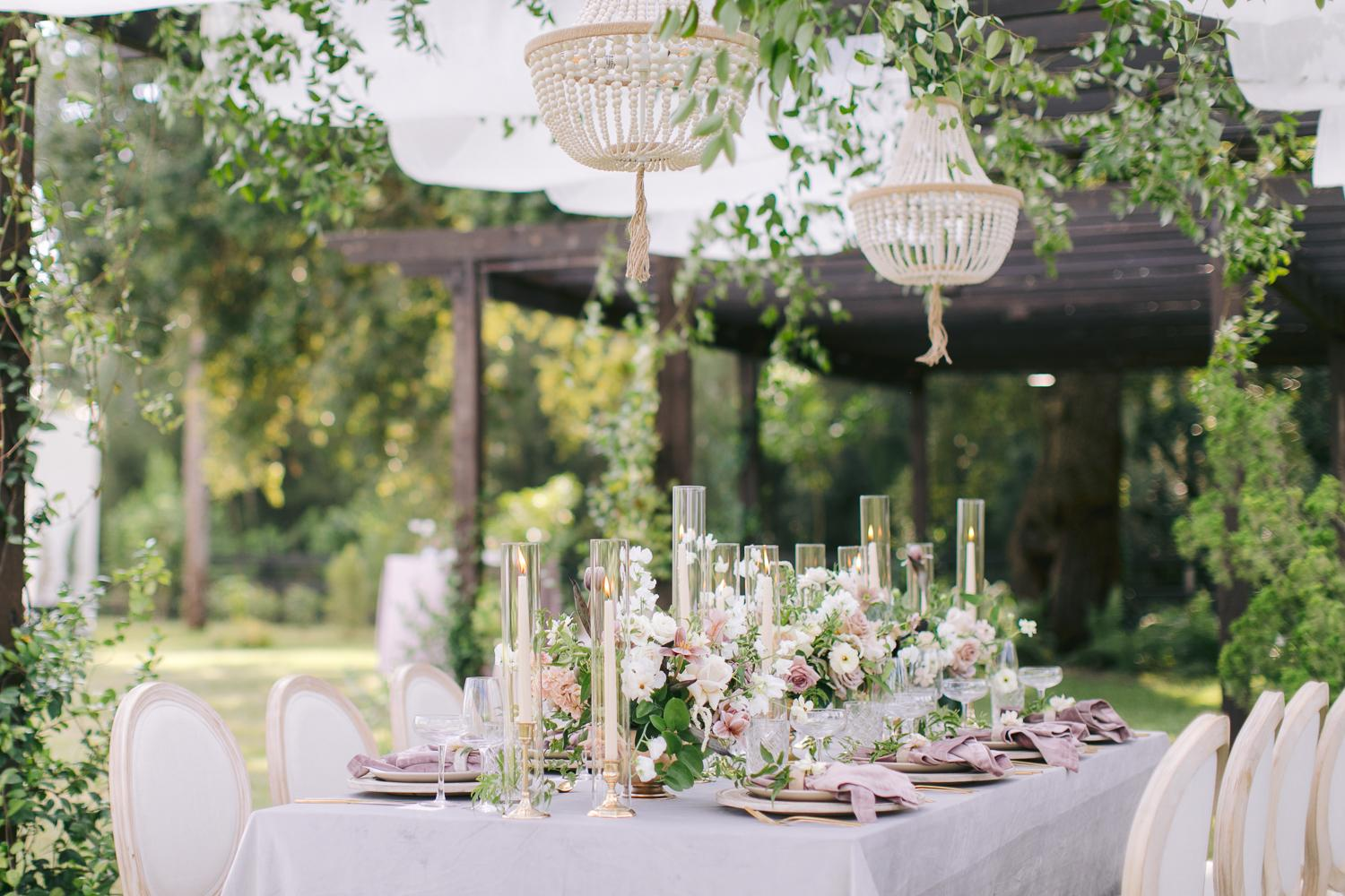 Floral Obsessed Brides Need to See This Romantic Garden Wedding Inspiration