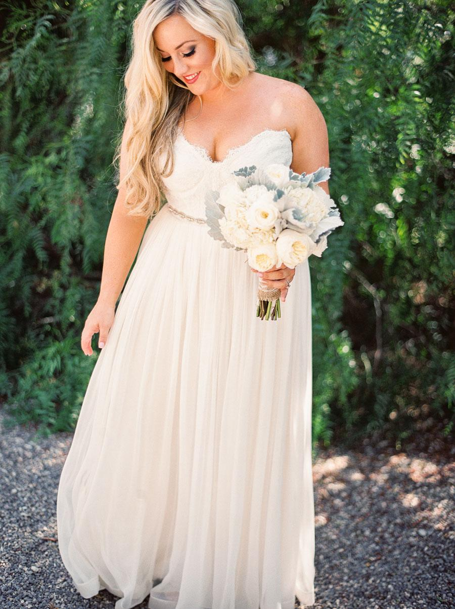 Eclectic Mint & Gold Outdoor Wedding