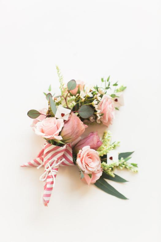 DIY Valentine\'s Day Mini Bouquets